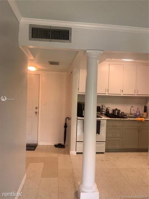 1 Bedroom, Riverview Rental in Miami, FL for $1,290 - Photo 2