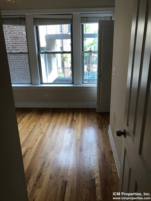 2 Bedrooms, Lakeview Rental in Chicago, IL for $1,895 - Photo 2