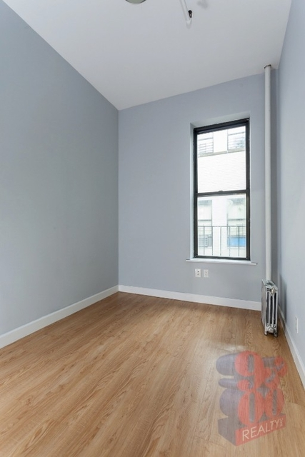 Studio, Hell's Kitchen Rental in NYC for $1,000 - Photo 1