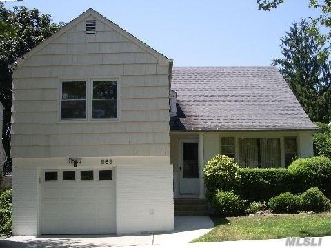 4 Bedrooms, Cedarhurst Rental in Long Island, NY for $4,000 - Photo 1