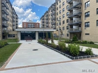 1 Bedroom, East End South Rental in Long Island, NY for $2,725 - Photo 2