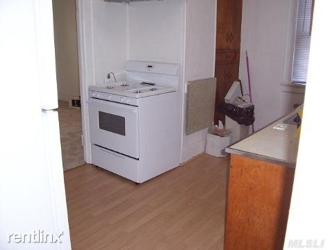 3 Bedrooms, Inwood Rental in Long Island, NY for $2,600 - Photo 2