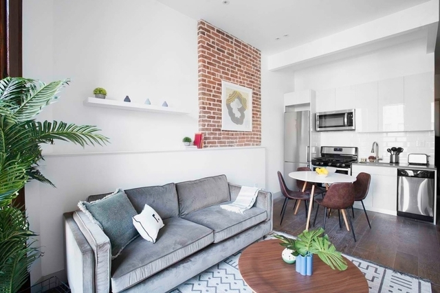 3 Bedrooms, Crown Heights Rental in NYC for $2,975 - Photo 2