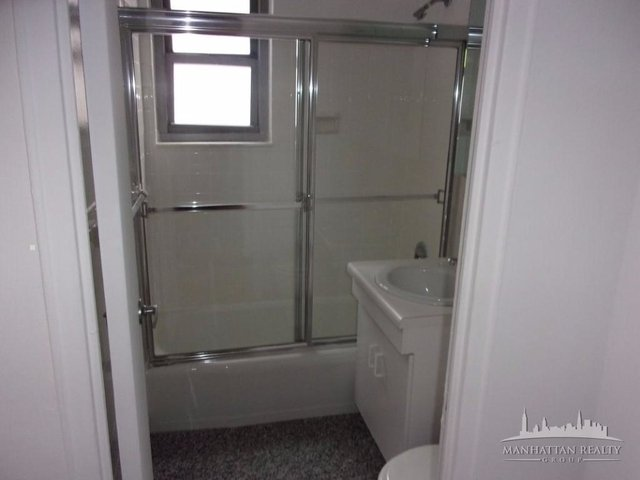 2 Bedrooms, Upper East Side Rental in NYC for $4,800 - Photo 2
