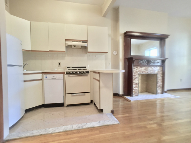 Studio, Upper West Side Rental in NYC for $1,970 - Photo 2