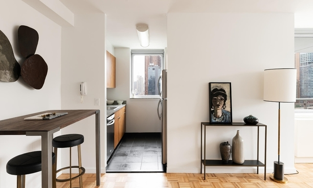 Studio, Hell's Kitchen Rental in NYC for $2,142 - Photo 2