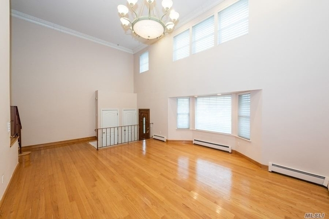 4 Bedrooms, Woodmere Rental in Long Island, NY for $5,000 - Photo 2