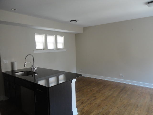 1 Bedroom, Ravenswood Rental in Chicago, IL for $1,436 - Photo 2