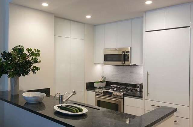1 Bedroom, Lincoln Square Rental in NYC for $4,580 - Photo 2