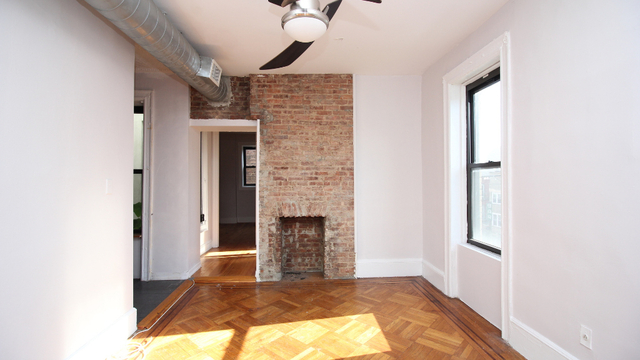 2 Bedrooms, Crown Heights Rental in NYC for $2,308 - Photo 2