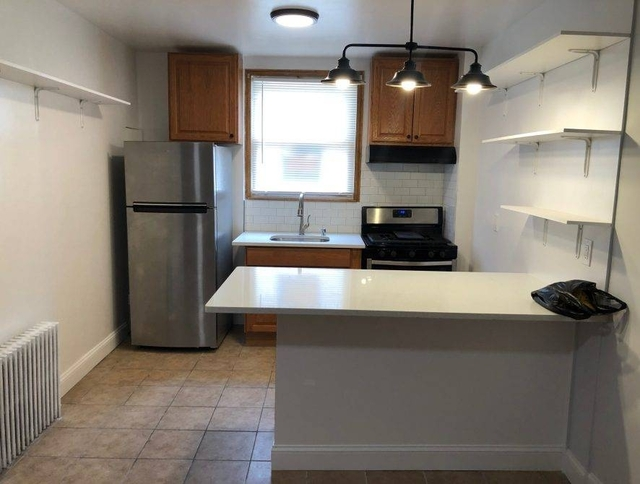 2 Bedrooms, Middle Village Rental in NYC for $2,100 - Photo 2