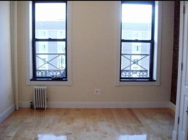 1 Bedroom, Hell's Kitchen Rental in NYC for $2,795 - Photo 2