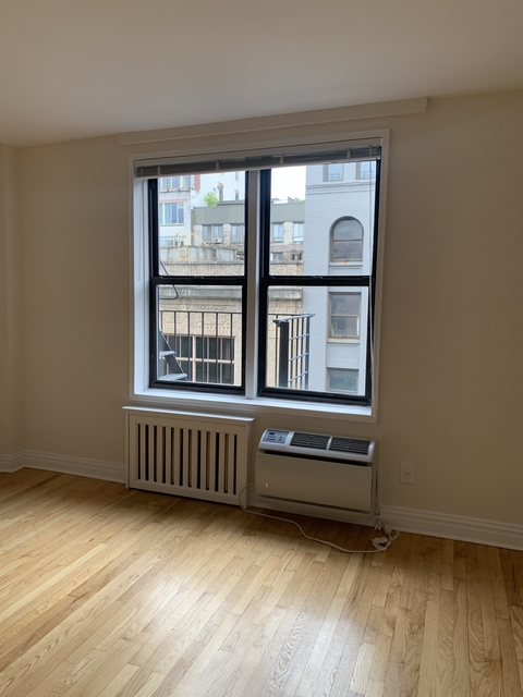 1 Bedroom, Chelsea Rental in NYC for $2,306 - Photo 2