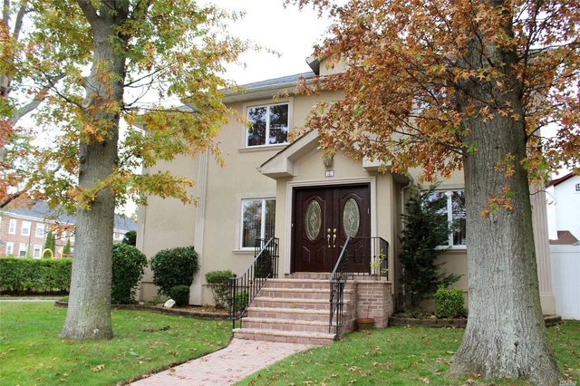 5 Bedrooms, Woodmere Rental in Long Island, NY for $5,500 - Photo 1