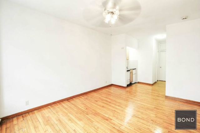 Studio, Hell's Kitchen Rental in NYC for $1,889 - Photo 2