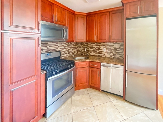 3 Bedrooms, Bedford-Stuyvesant Rental in NYC for $2,930 - Photo 2