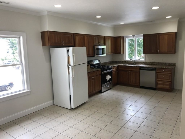 3 Bedrooms, South Side Rental in Boston, MA for $2,500 - Photo 2