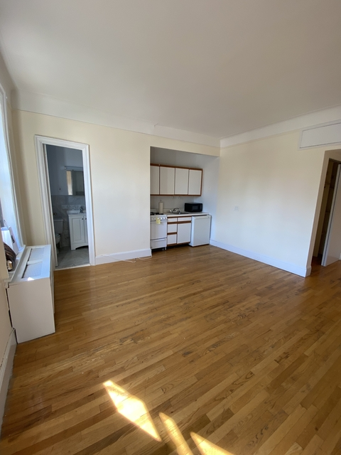 Studio, Upper West Side Rental in NYC for $1,741 - Photo 2