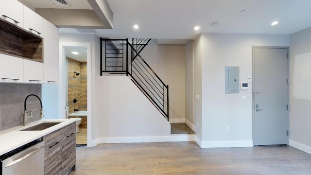 Room, Bushwick Rental in NYC for $950 - Photo 2