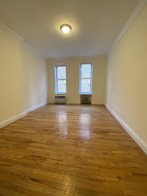 Studio, Yorkville Rental in NYC for $1,737 - Photo 2