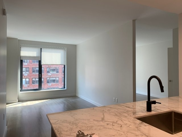 1 Bedroom, Yorkville Rental in NYC for $3,266 - Photo 1