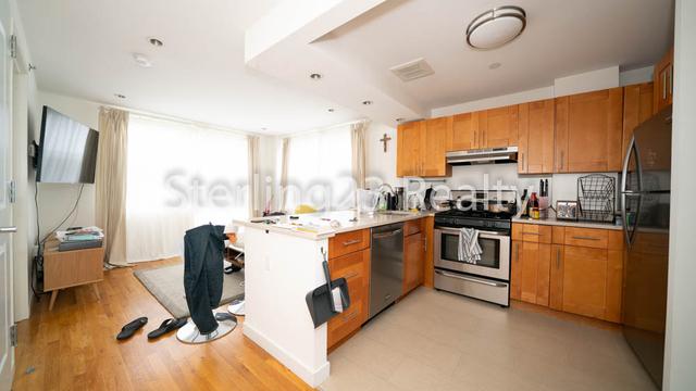 2 Bedrooms, Astoria Rental in NYC for $2,950 - Photo 2