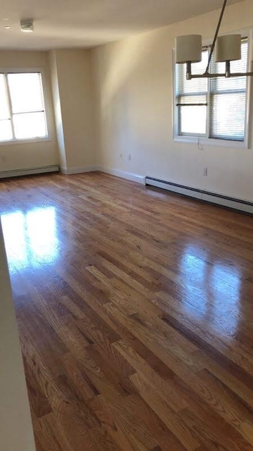 3 Bedrooms, Woodrow Rental in NYC for $2,299 - Photo 1