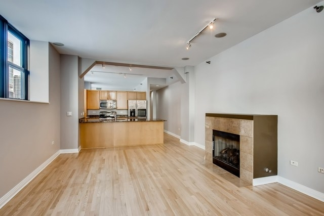 2 Bedrooms, The Loop Rental in Chicago, IL for $2,900 - Photo 2