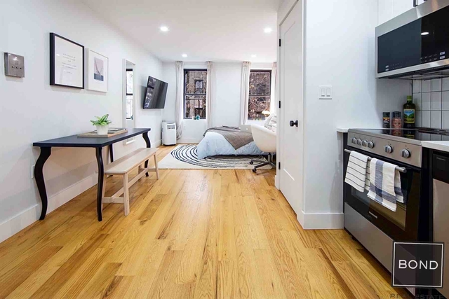 Studio, East Village Rental in NYC for $2,188 - Photo 2