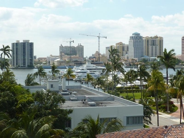 2 Bedrooms, Casa Del Lago Rental in Miami, FL for $9,500 - Photo 2