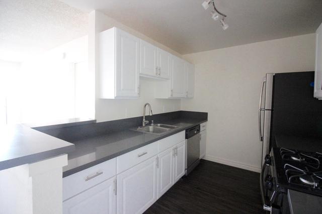 1 Bedroom, Burbank Rental in Los Angeles, CA for $1,795 - Photo 2