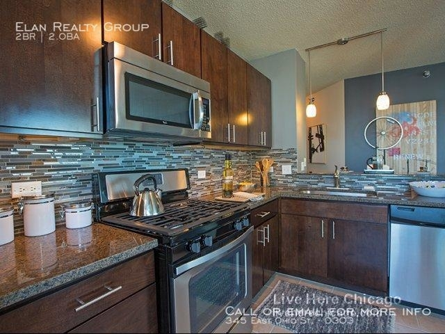2 Bedrooms, Gold Coast Rental in Chicago, IL for $2,918 - Photo 1
