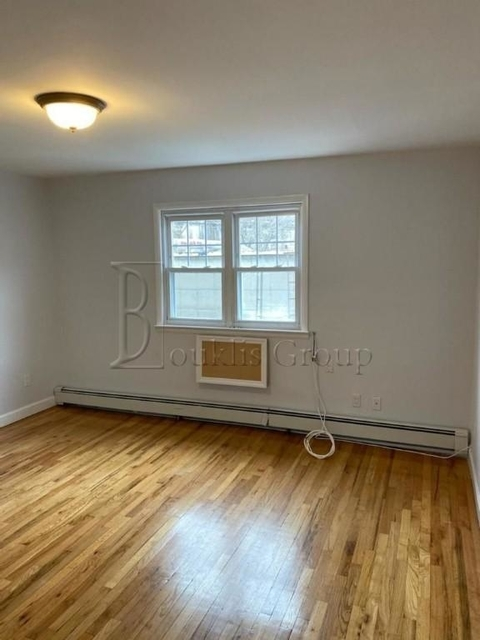 3 Bedrooms, Astoria Rental in NYC for $2,550 - Photo 2