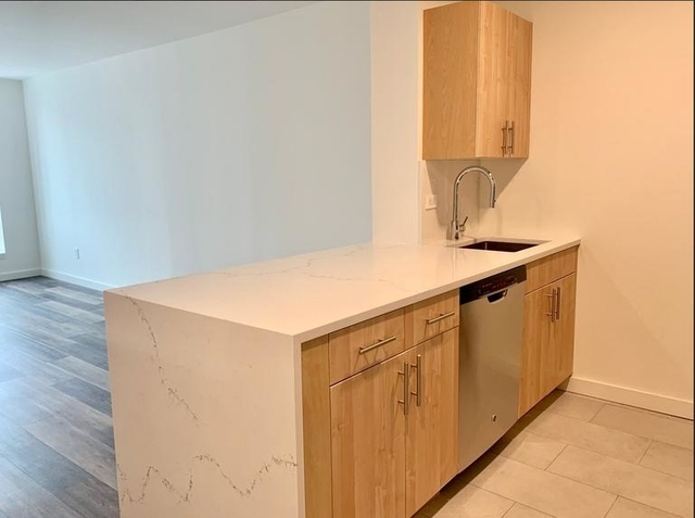 1 Bedroom, Hell's Kitchen Rental in NYC for $2,930 - Photo 2