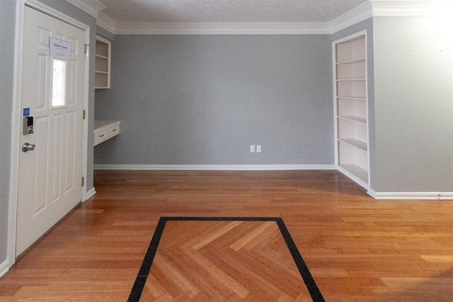 2 Bedrooms, The Colony Townhome Rental in Houston for $1,325 - Photo 2