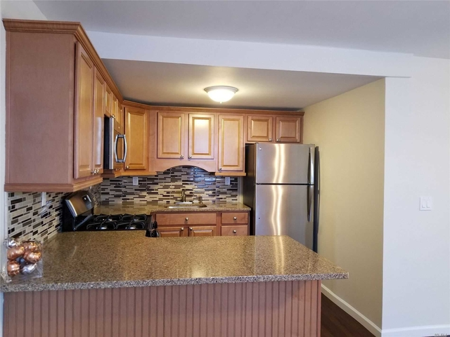 2 Bedrooms, Islip Rental in Long Island, NY for $2,395 - Photo 2