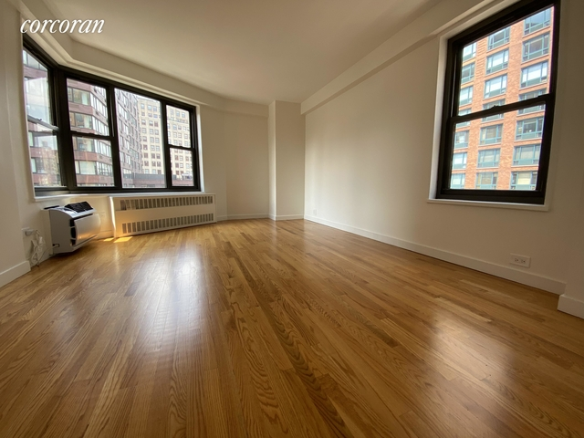 2 Bedrooms, Greenwich Village Rental in NYC for $4,714 - Photo 2