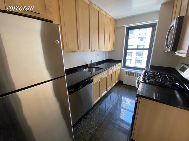 2 Bedrooms, Greenwich Village Rental in NYC for $5,683 - Photo 2