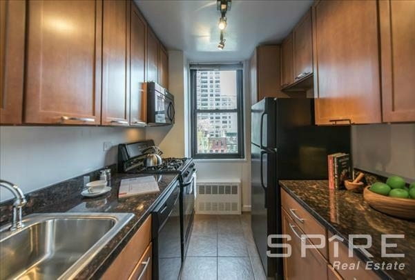 3 Bedrooms, Rose Hill Rental in NYC for $5,727 - Photo 1