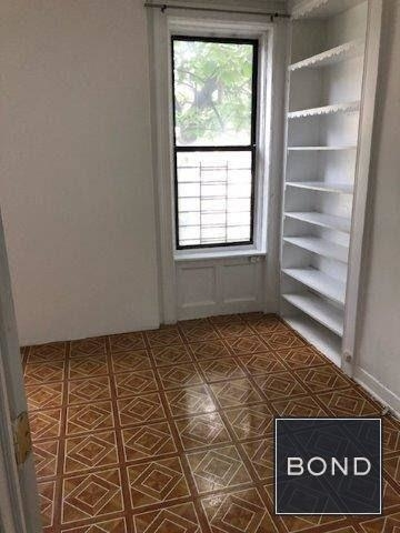 3 Bedrooms, Washington Heights Rental in NYC for $2,098 - Photo 1