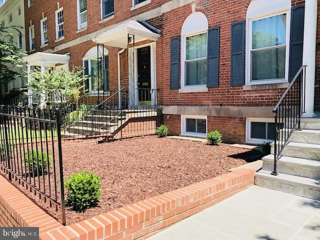 4 Bedrooms, Woodley Park Rental in Washington, DC for $7,250 - Photo 2
