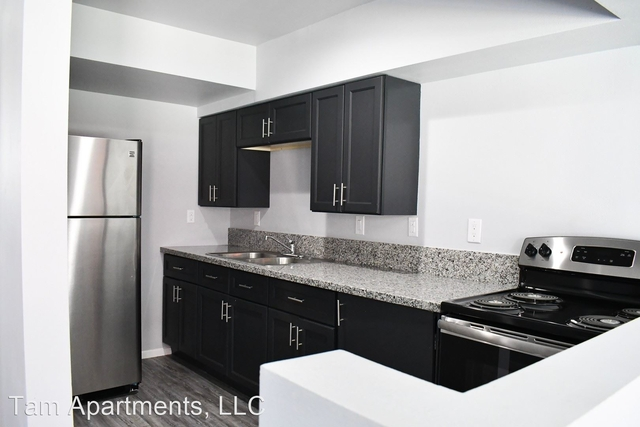 2 Bedrooms, Fashion District Rental in Los Angeles, CA for $950 - Photo 1