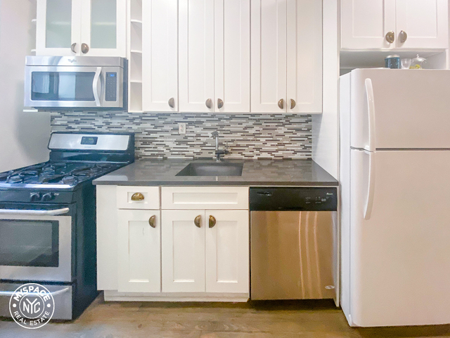 2 Bedrooms, Flatbush Rental in NYC for $2,330 - Photo 2