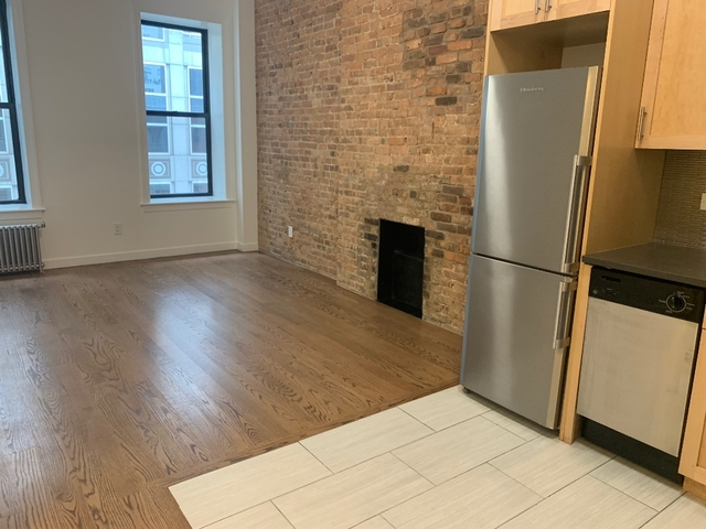 3 Bedrooms, Midtown East Rental in NYC for $4,585 - Photo 2