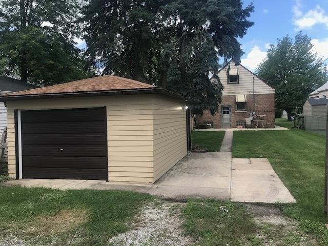 3 Bedrooms, Thornton Rental in Chicago, IL for $1,550 - Photo 2