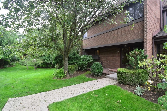 3 Bedrooms, North Hills Rental in Long Island, NY for $4,500 - Photo 1