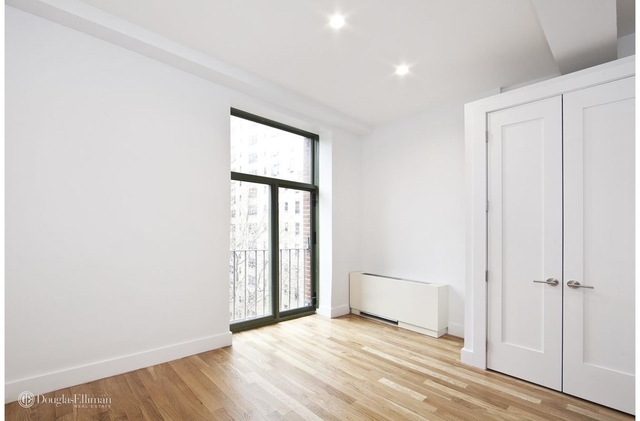 3 Bedrooms, Gramercy Park Rental in NYC for $5,142 - Photo 2