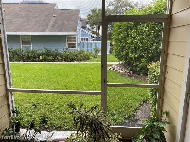 2 Bedrooms, Rock Island Land Corp Rental in Miami, FL for $1,550 - Photo 2