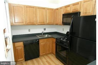 1 Bedroom, Bethesda Rental in Washington, DC for $1,595 - Photo 2