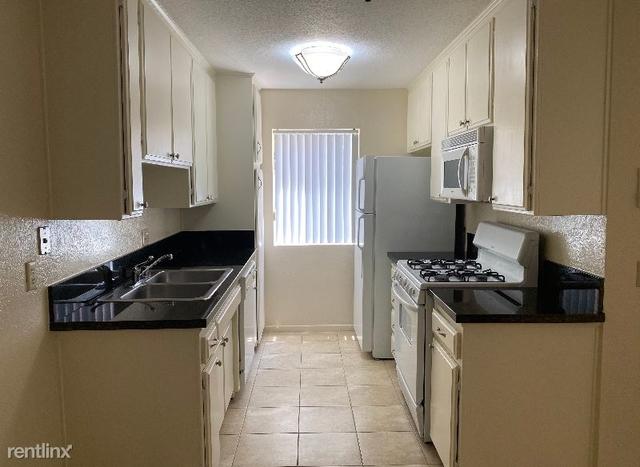 1 Bedroom, Lake Balboa Rental in Los Angeles, CA for $1,695 - Photo 2